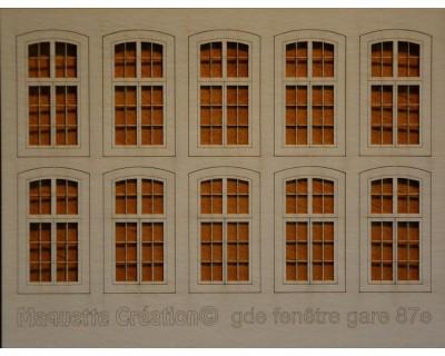 Große Fenster Station 87.
