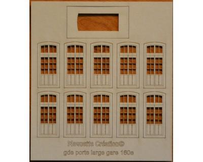 Large wide doors station 160e