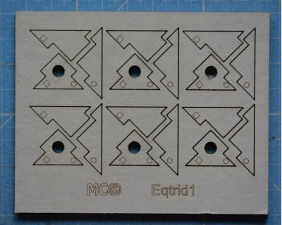 Three-dimensional angle brackets