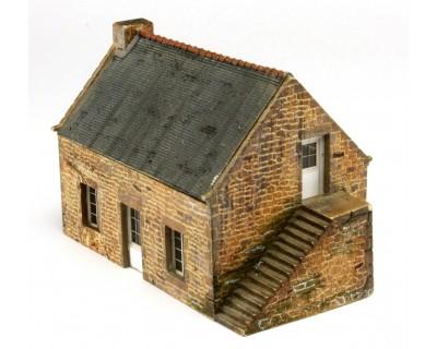 Pequeña casa de piedra bretona a escala HO