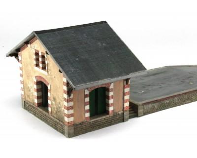 Die kleine Güterhalle West PO des Westnetzes Spur HO